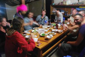 cena-en-una-casa-hmong