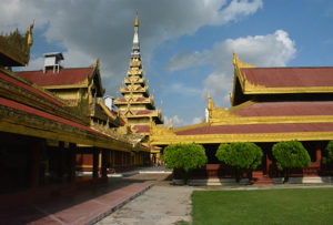 palacio-real-mandalay
