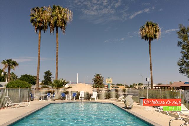 motel con piscina
