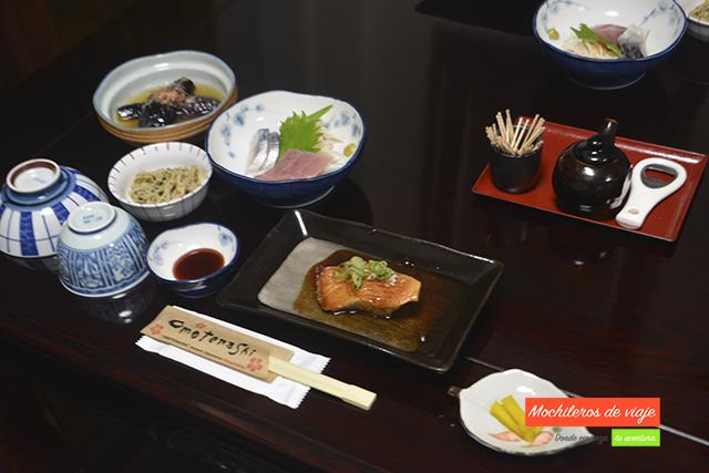 cena en el ryokan