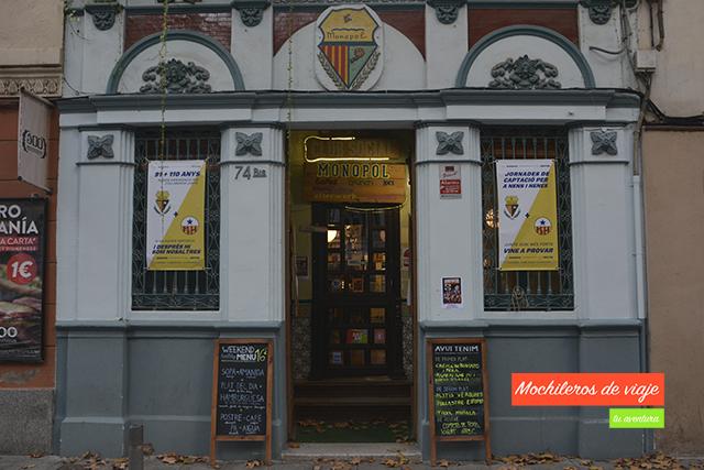 fachada bar monopol