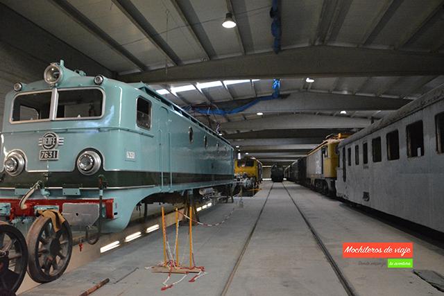 MÁQUINA ferrocarril mora la nova