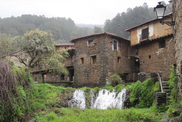 robledillo pueblos bonitos de cáceres