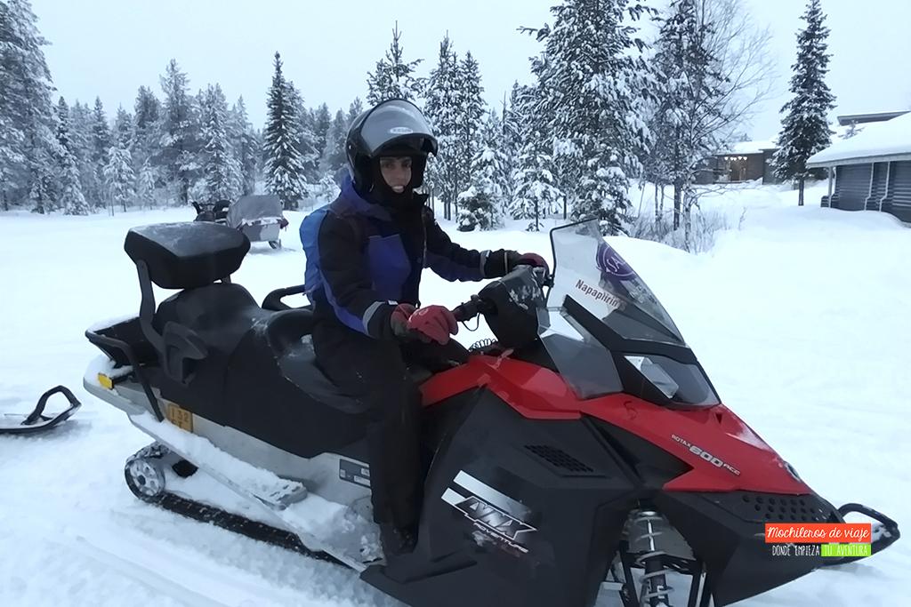 en moto de nieve