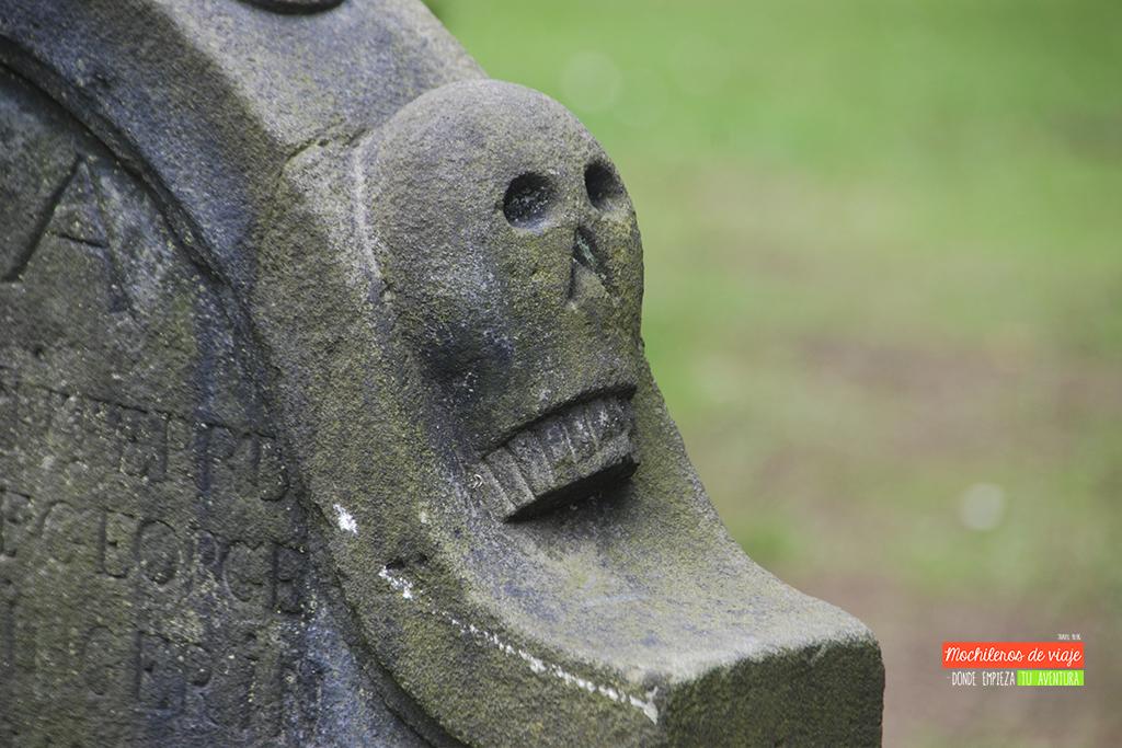 cementerio de edimburgo calavera