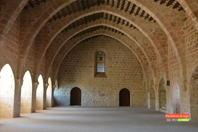 dormitorio visita al monasterio de santes creus