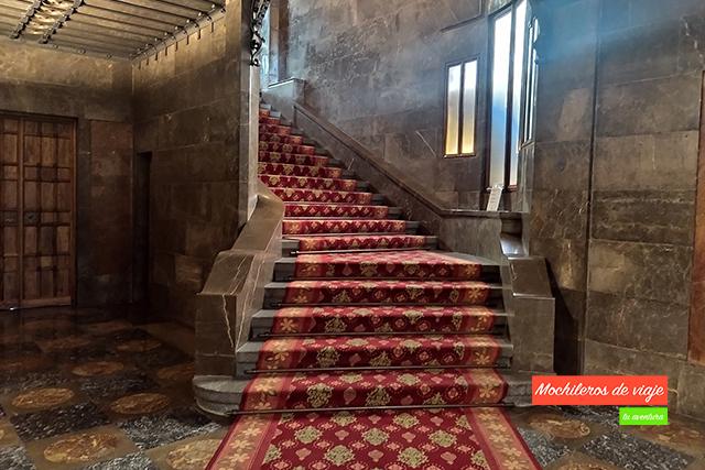 segunda escalera de honor