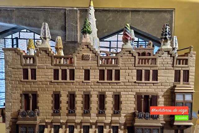 maquesta fachada palau güell