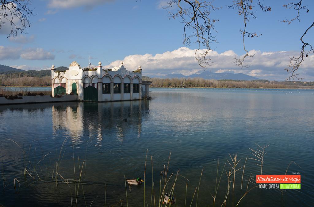 pueblos y excursiones en pla de l'estany lago de banyoles