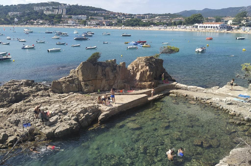 piscina natural playa sant pol s'agaró