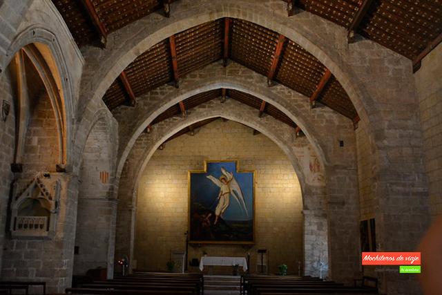 interior de la iglesia de montblanc